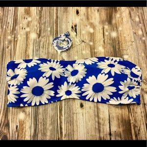 Forever 21 blue with white daisy design swim top